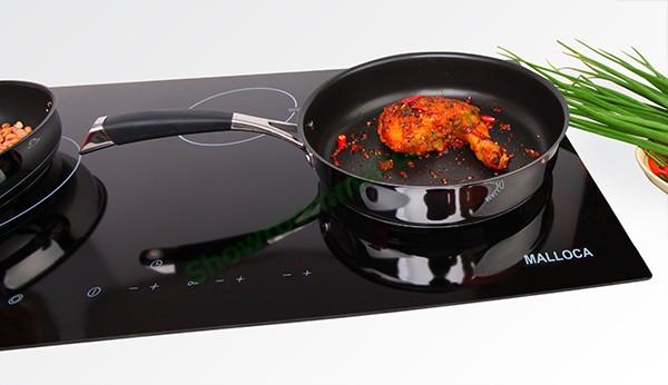 Tùy theo từng model mà bếp có từ 2 - 4 vùng nấu với đường kính khác nhau, giúp bạn thuận tiện nấu được nhiều món ăn cùng lúc